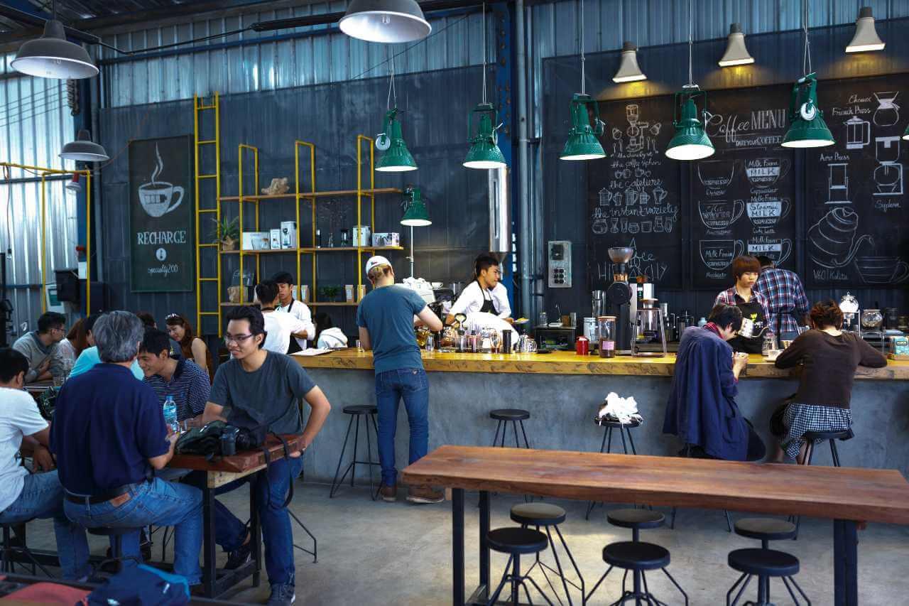 crowded coffee shop